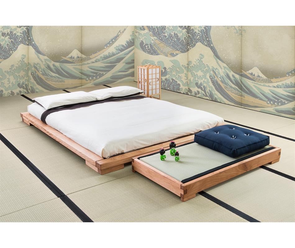 Letto giapponese artigianale in legno massello yama for Legno giapponese