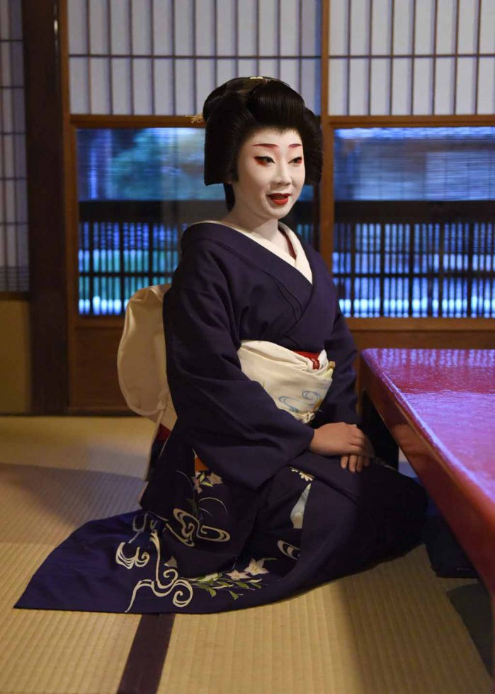 Japan-lifestyle-geisha-005_m